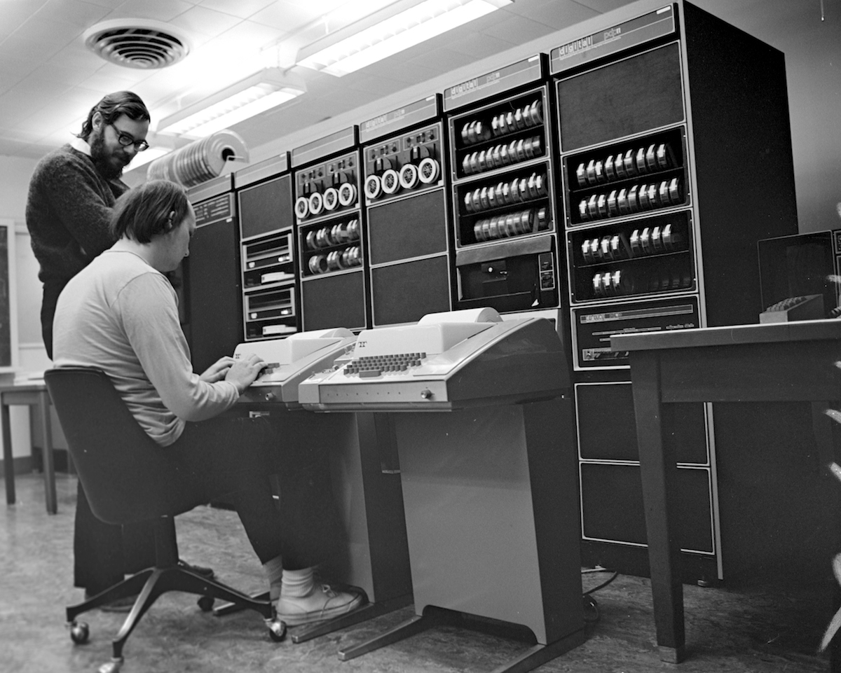 Ken-Thompson-and-Dennis-Ritchie-at-PDP11